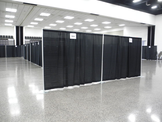 Trade Show Booth Backdrop : Pipe and drape basics systems