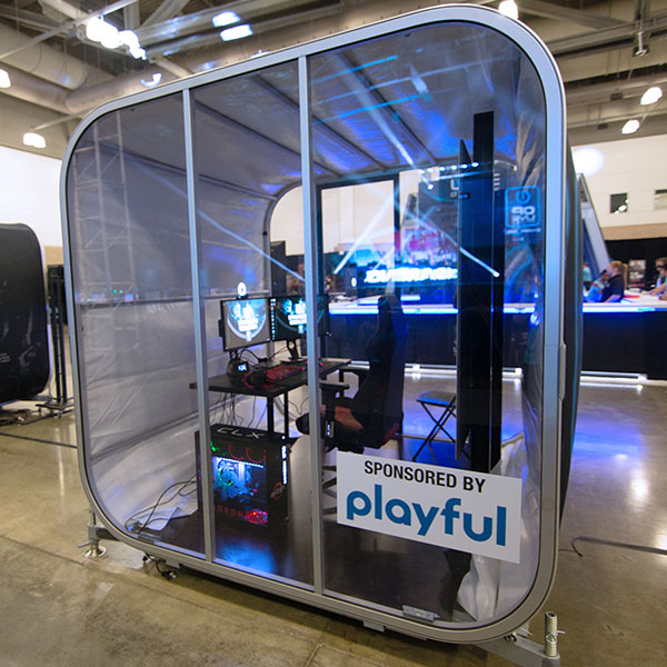 OiOXl Portable Exhibit Rooms Fully Brandable Gaming Event Room Exterior